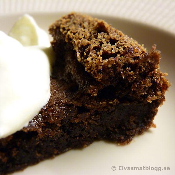 Kladdkaka - recept på god kladdig chokladkaka - kolatårta