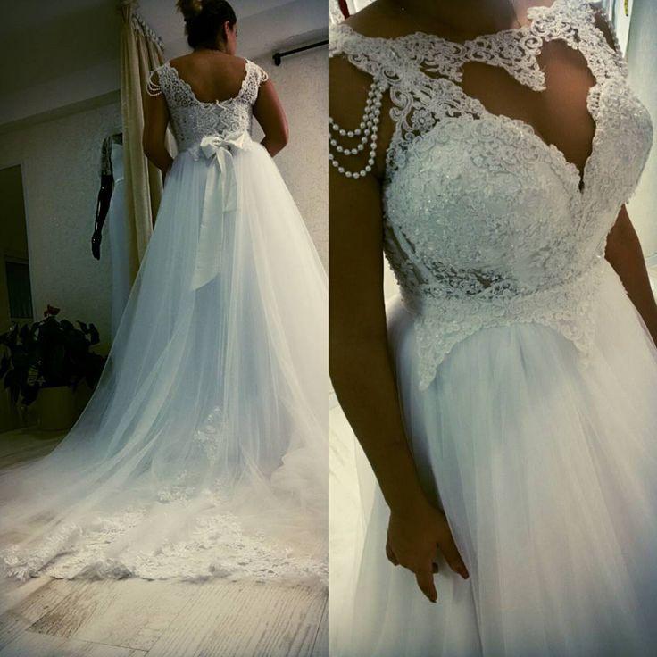 explore best wedding dresses