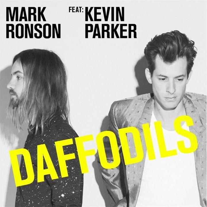 На официальном аккаунте популярного британского диджея и продюсера Марка Ронсона в сети YouTube состоялась премьера нового клипа.  Отличительной особенностью работы является то что видео объединяет в себе экранизации сразу двух песен  Summer Breaking и Daffodils одна из которых записана при участии австралийского исполнителя Кевина Паркера.  Оба трека вошли в четвёртый студийный альбом музыканта Uptown Special релиз которого состоялся 13 января прошлого года а композиция Daffodils стала…