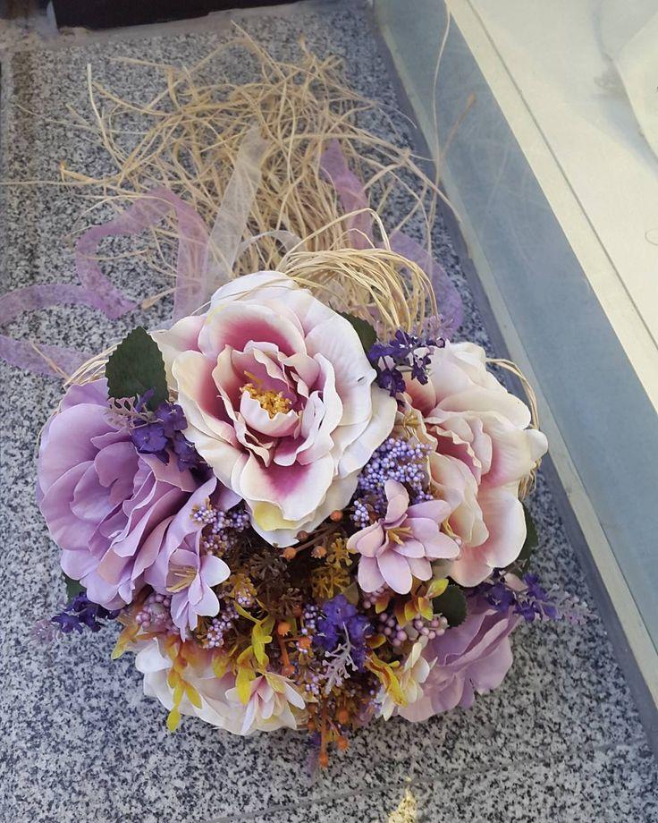 Hayırlı cumalarrrr  #izmir #türkiye #turkish #gelinbuketi #elcicegi #gelincicegi #kisiyeozel #gelin #gelinlik #nişan #düğün #söz #kırdüğünü #fotograf #weddingphotography #weddingdress #weddings #bridalmakeup #bridalshower #bridalgown #bridalhair #bride #bridesmaids #brides #bride #bridetobe # http://turkrazzi.com/ipost/1518037531312301105/?code=BURJxeBlKQx