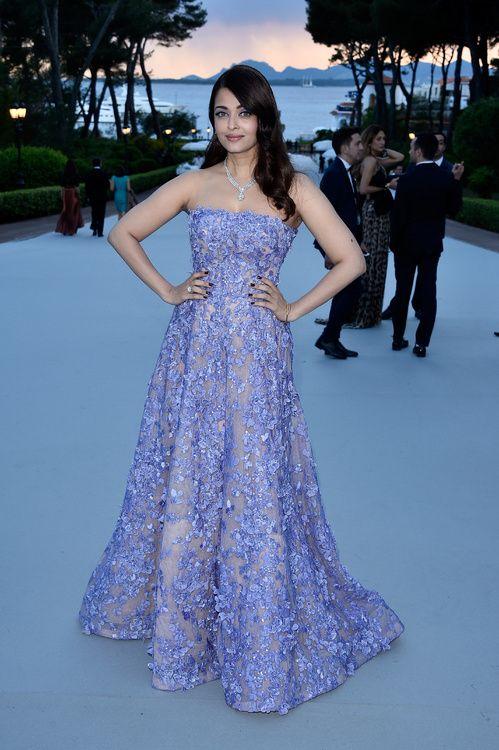 Aishwarya Rai, égérie L'Oréal Paris, en robe Elie Saab haute couture printemps-été 2014