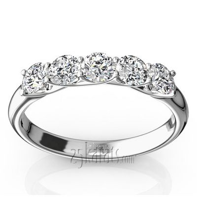 Low Set Trellis Setting 5 Stone Round Shank Anniversary Band(0.75ct. tw.)
