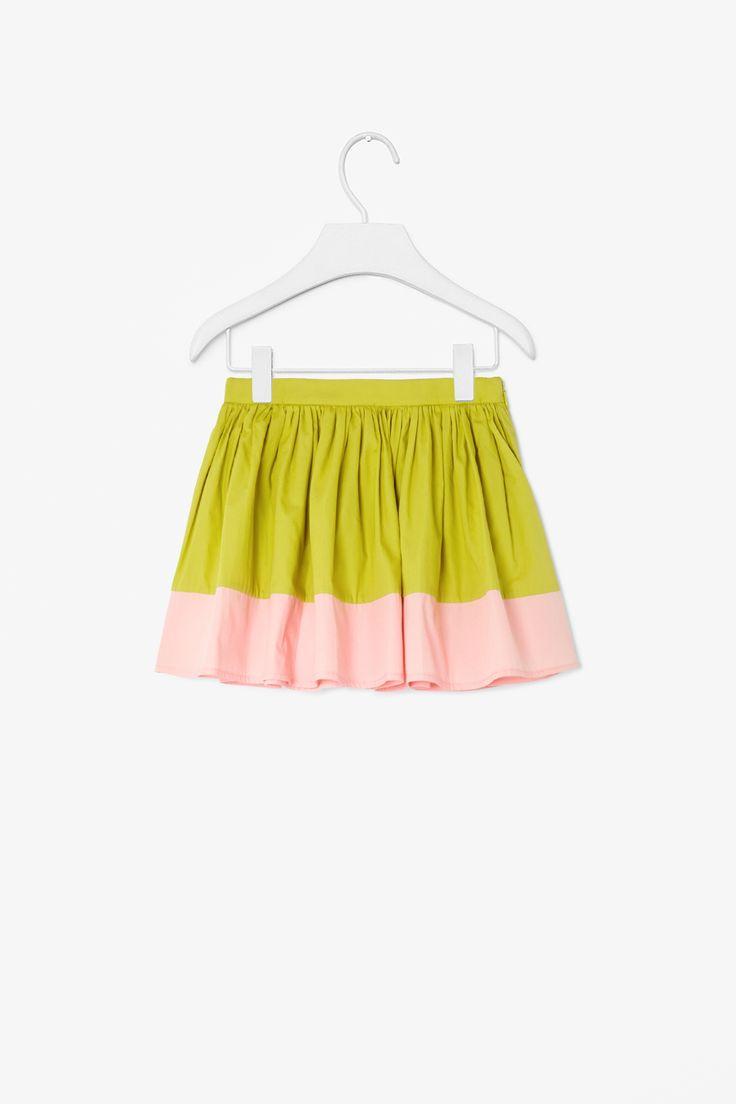 Flared block-colour skirt