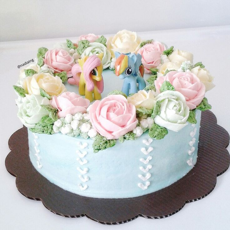 flower buttercream cake my little pony