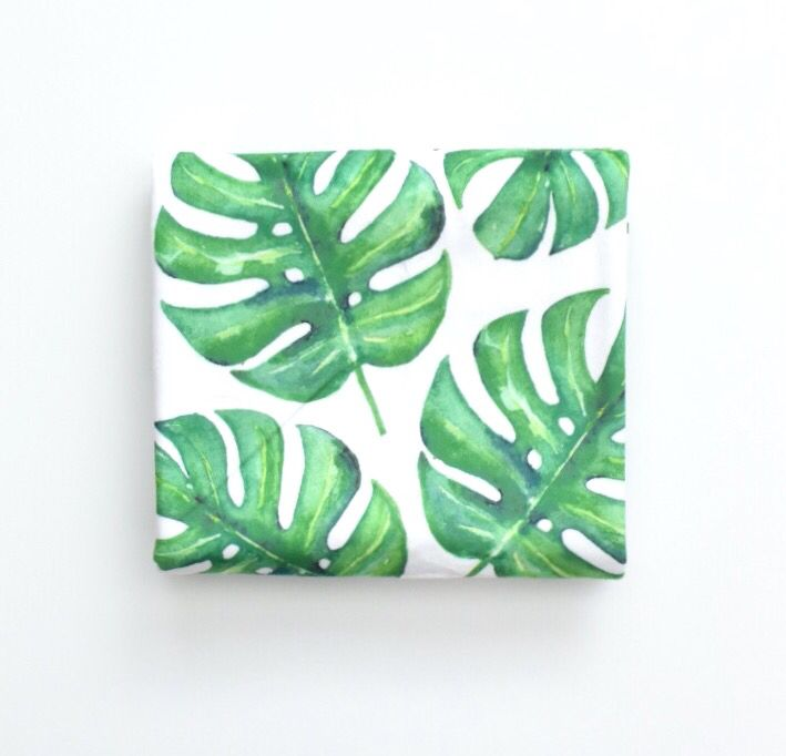 Love this bold Monstera leaf crib sheet. Perfect touch for a tropical jungle nursery.