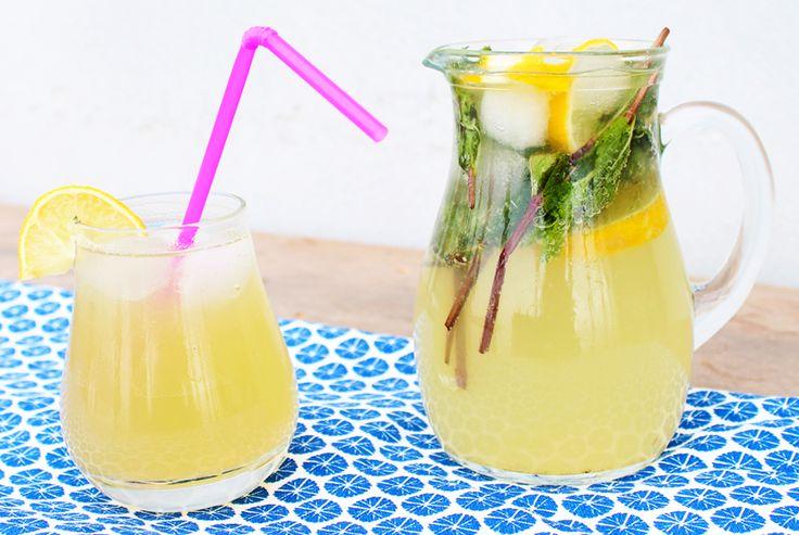 Recept voor verse limonade met gember, munt en citroen