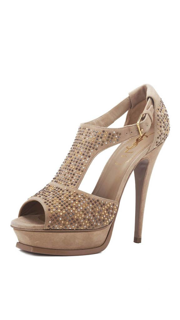 Designer heels at reduced prices only at Amuze #designerdiscount