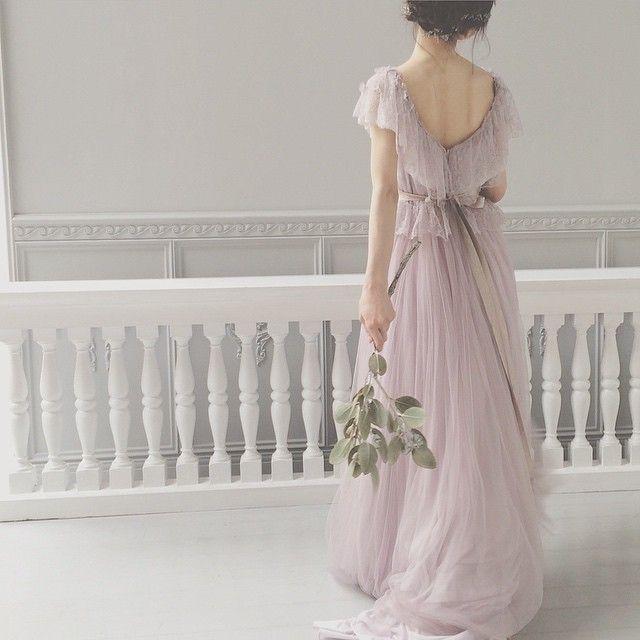 今日は @brillantmari さんと撮影* 大好きなスミレのドレスとユーカリ 本当に素敵です* #weddingdress #wedding #ウェディング #ウェディングドレス #maisonsuzu