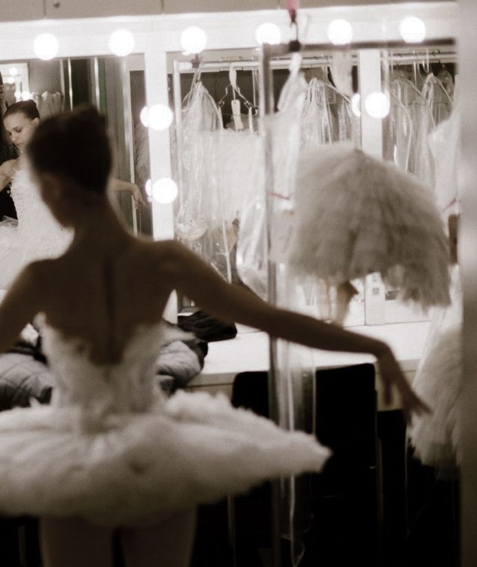 Love this photograph- could be a good idea for a painting?  natalie portman shot by autumn de wilde backstage of black swan
