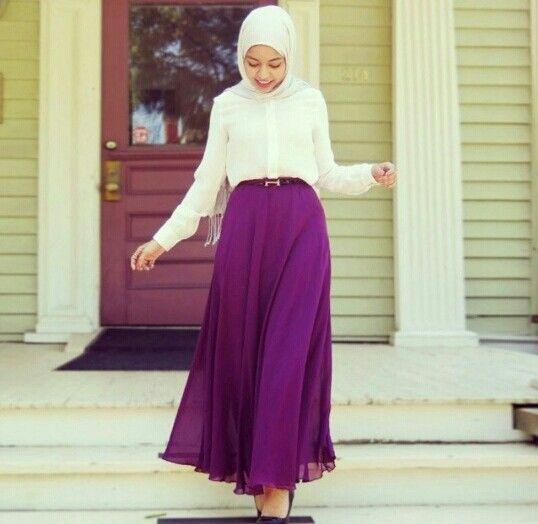 Feeeeya from instagram wearing a skirt from Lindex.com