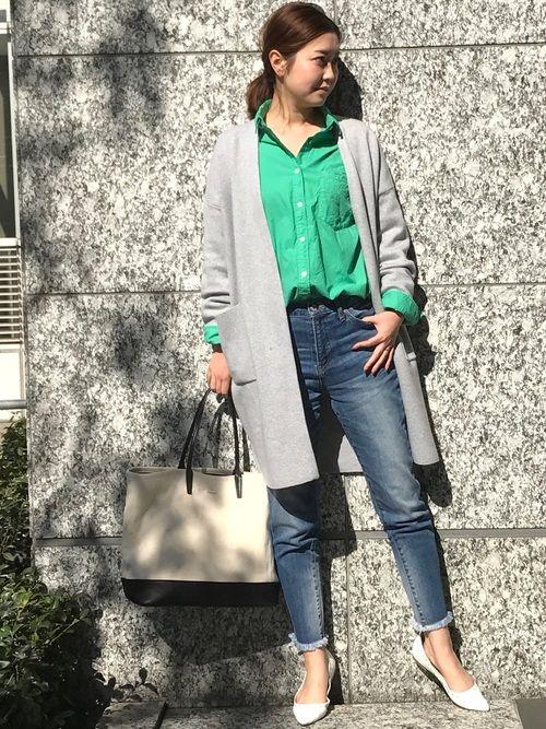春になるとカラーものを取り入れたくなるので、思い切ってグリーンのカラーシャツでコーディネートしました