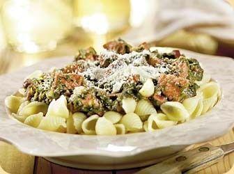 Pasta met chorizoworst en spinazie in kruidige tomatensaus recept - Pasta - Eten Gerechten - Recepten Vandaag
