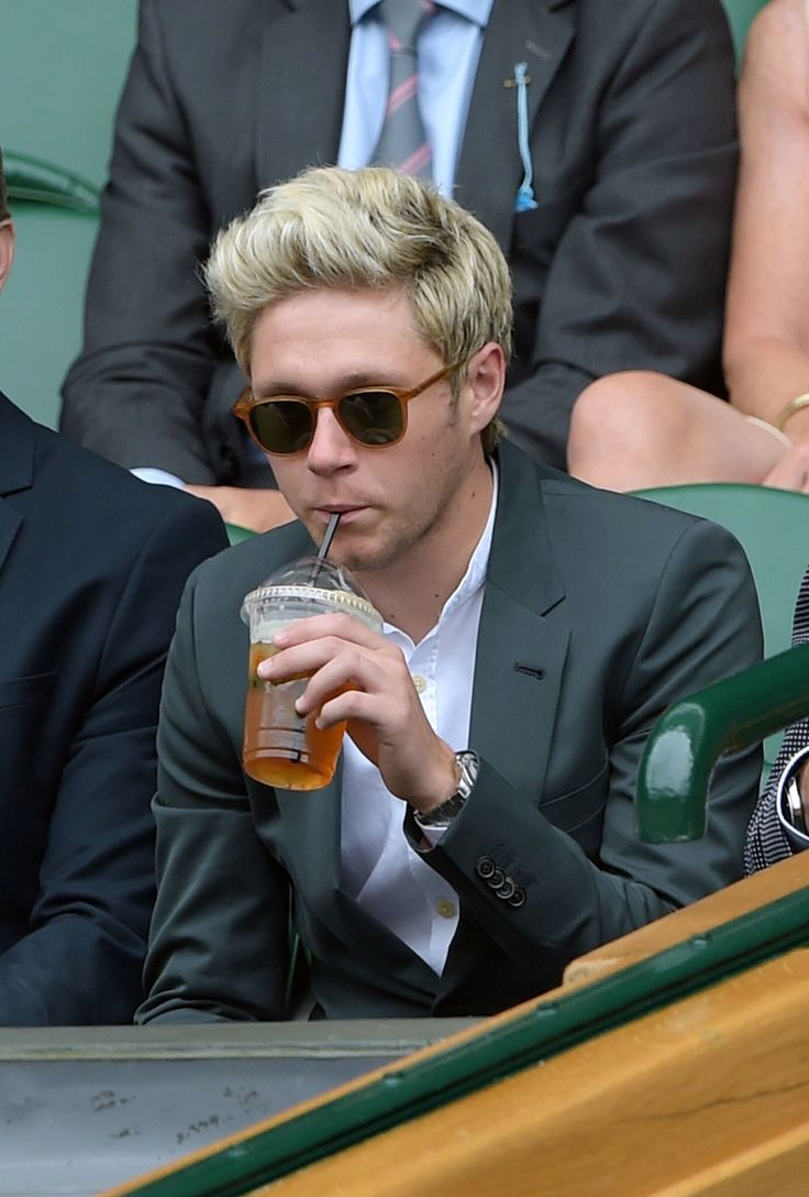 Uncategorized Niall Games 1727 best niall horan images on pinterest artists naill drink it all down niall