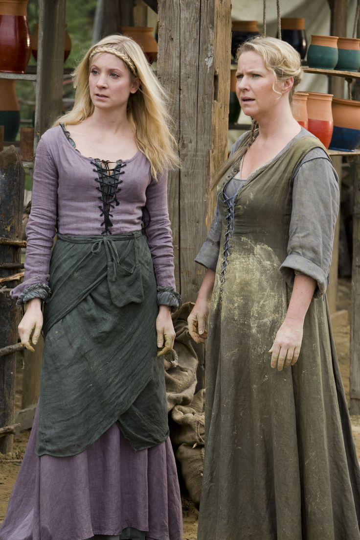 Kate and her mum from the BBC Robin Hood - lose the green apron thingy, and that would be a nice lavender medieval dress :)