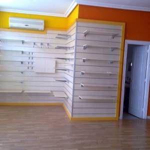 Paneles de lamas - Proyectos en instalaciones de mobiliario para tiendas por toda España