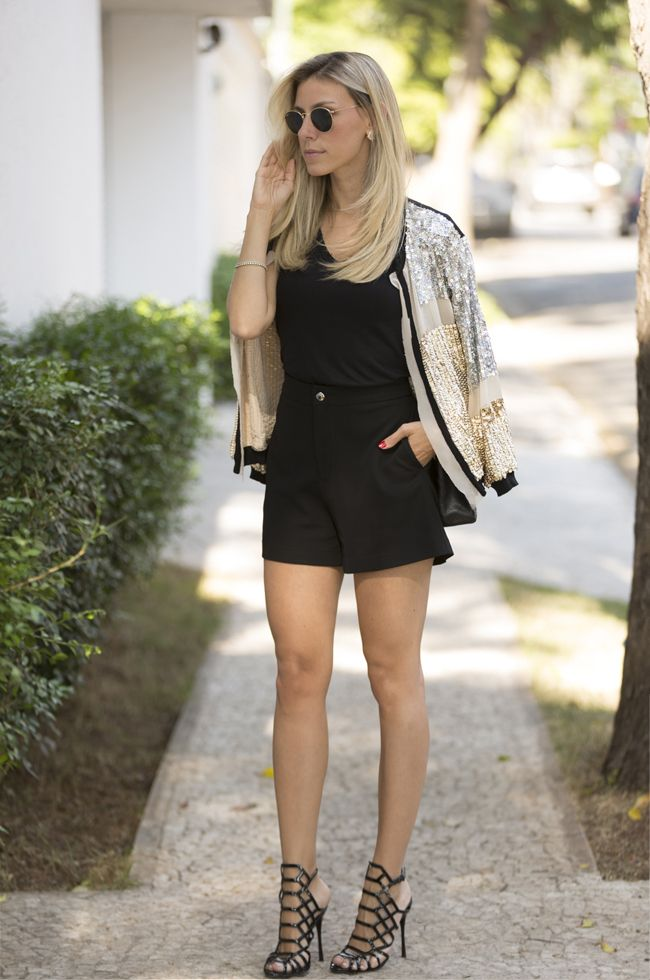 Nati Vozza do Blog de Moda Glam4You com look de paetê mara!!