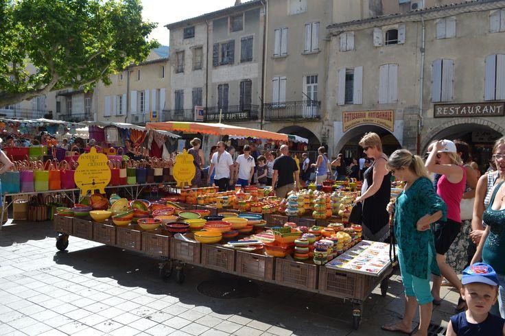 marché de nyons en drome provencale