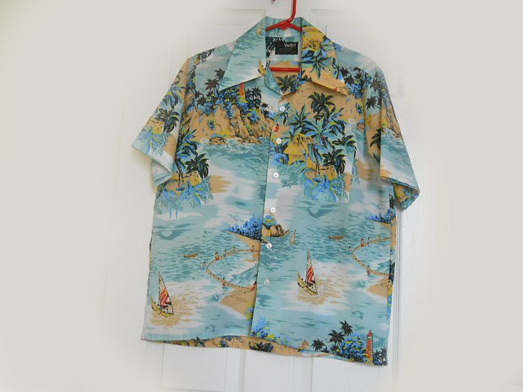 Men's Vintage Hawaiian Shirt by VanCort - 1960s Tropical Aloha Shirt - M by LunaJunction on Etsy