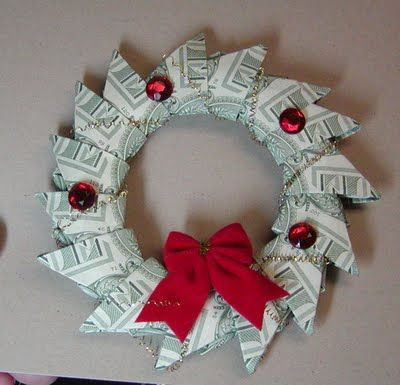 Christmas Money Wreath - Instead of Gift Card: Wreaths Tutorials, Christmas Wreaths, Money Gifts, Gifts Ideas, Gift Ideas, Money Wreaths, Cash Gifts, Folding Money, Christmas Gifts