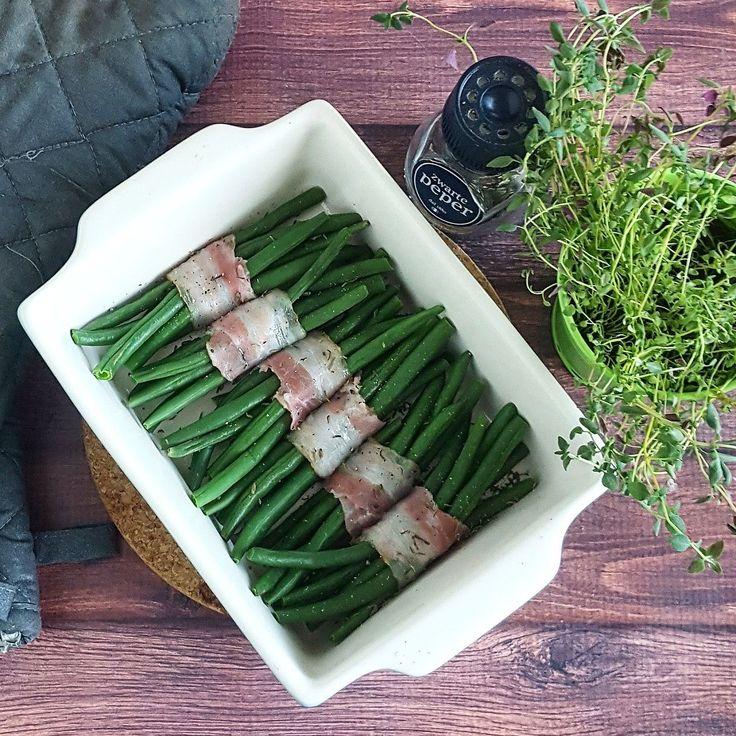 De Haricots verts met spek waren misschien wel het grootste succes tijdens het kerstdiner dit jaar, en zó makkelijk te maken! Even in de oven en klaar.
