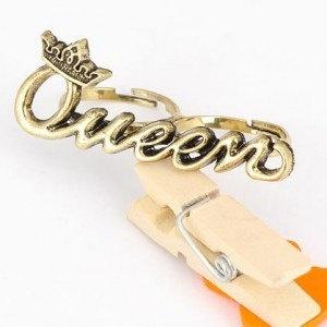 Queen 2-Finger Ring. $4.99, via Etsy.
