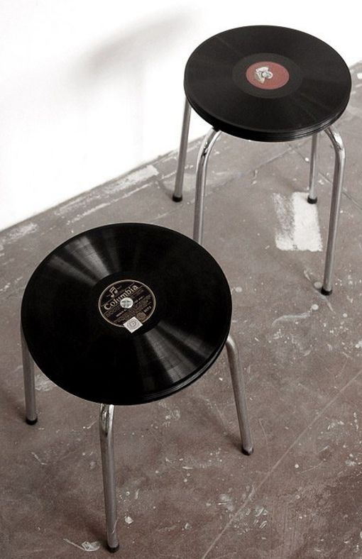 STOOL OF DISCS (via www.pinterest.com/AnkApin/simplicity)