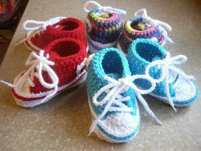 Crochet Baby Converse by Suzanne Resaul: http://bit.ly/1q2bc96  #crochet #crochetpattern #crochetersanonymous