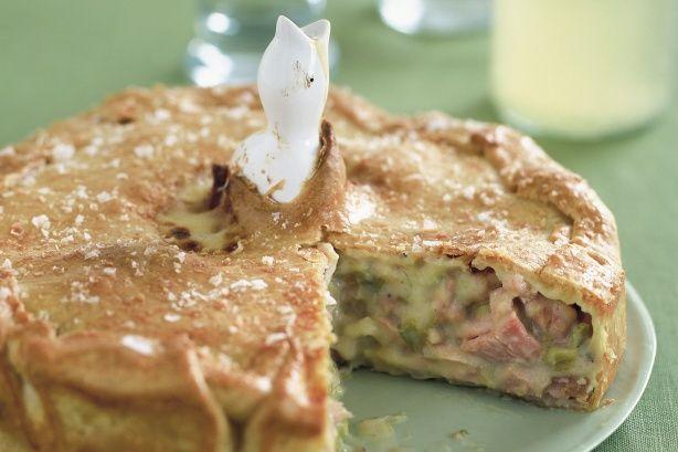 Chicken, ham and leek pie main image