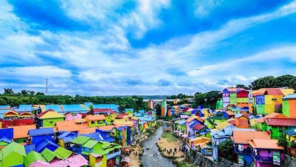 5 Tempat Wisata Warna-warni Pelangi yang Mampu Bikin Kamu Jatuh Hati