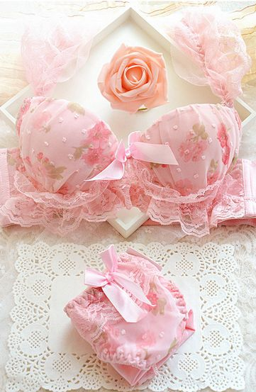 pink floral print bra set with lace ruffle ribbon accent trim