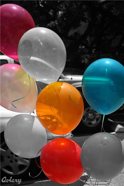 Black And White Photography With Color Balloons 84305