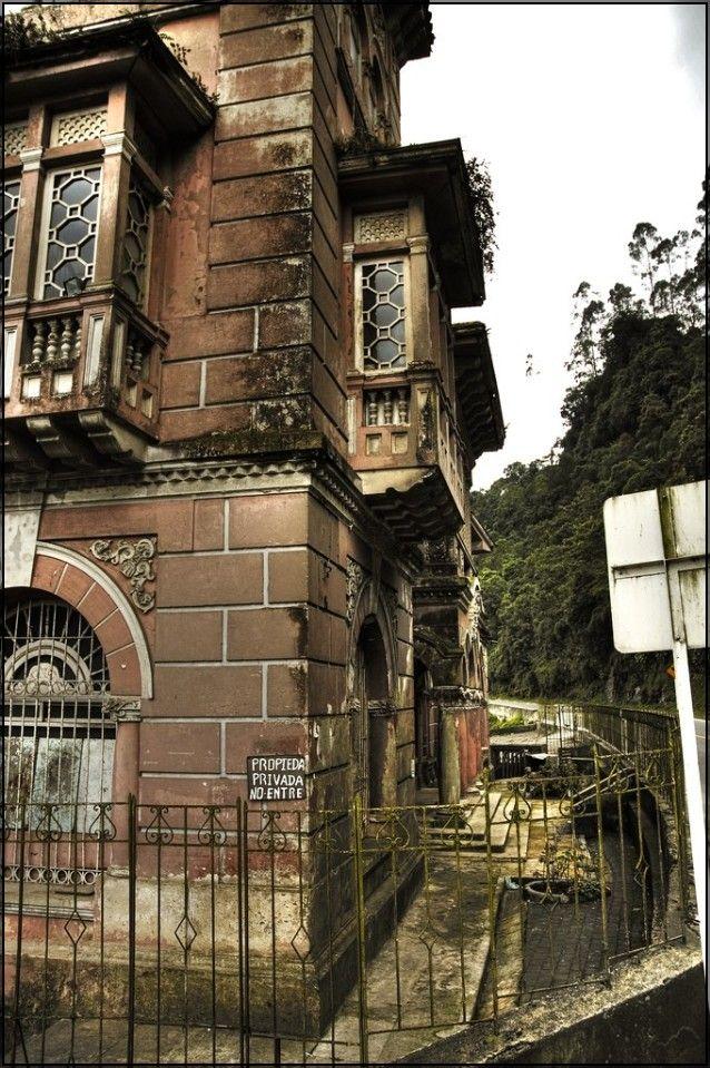 Hotel del Salto - La decadenza della bellezza - Luoghi Fantasma