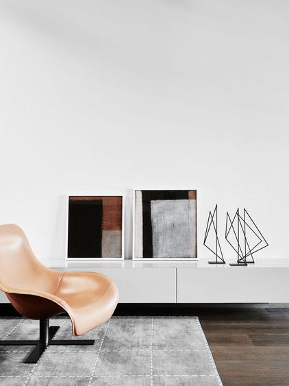 Kleiner Raum? Tiefes Sideboard! Wirkt cool. Schön zu dekorieren. > Lowboard