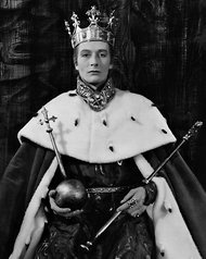 John Neville as Richard II   Nottingham Playhouse 1965