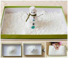 Nieve casera  - 2 cajas de harina de maíz maicena - Una bote de espuma de crema de afeitar - Una caja o recipiente de plástico