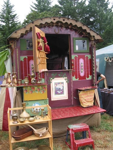 Inside A Gypsy Wagons   Inside the Gypsy Wagon