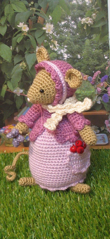 Brambly Hedge    Primrose crochet mouse by dollsandbunnies on Etsy, $42.00