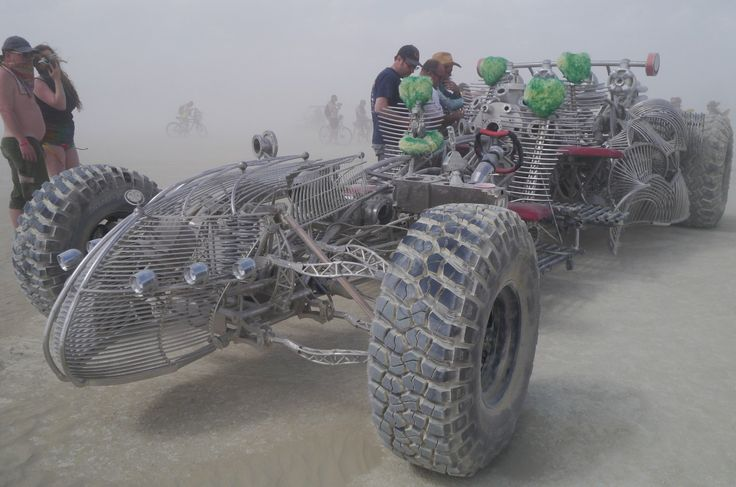 """""""monstreux!"""" by TravelPod blogger marco-2010 from the entry """"Spécial vehicules mutants!"""" on Tuesday, September  1, 2015 in Black Rock City, United States"""