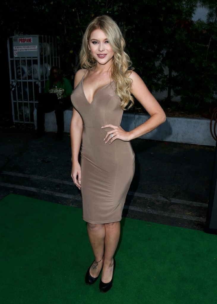 FunFunky.com Renee Olstead – America's Next Top Model Cycle 22 Premiere : Global Celebrtities (F) - Page 3