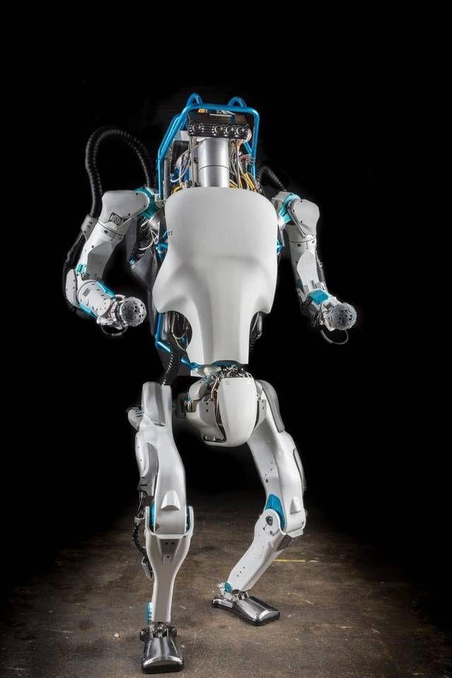 Boston Dynamics stelt de humanoïde robot Atlas voor aan de pers.