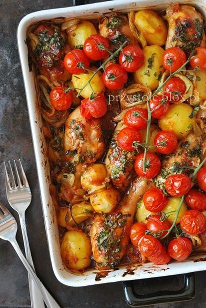 Udka pieczone z ziemniakami i pomidorami
