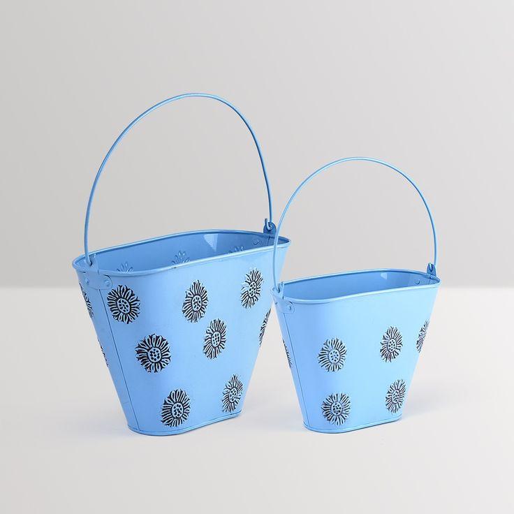 Flower bucket planters embossed- set of 2 #planters #plant #garden #flowers #shazliving #pinit #pinterest #leaves #gardening Shop at: https://www.shazliving.com/
