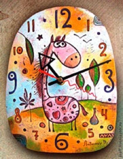 Часы для дома ручной работы. Ярмарка Мастеров - ручная работа. Купить Лошадка в поле. Handmade. Керамика ручной работы, год лошади