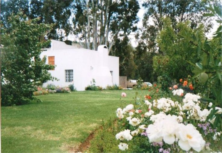 McGregor Country Cottages - McGregor Country Cottages is situated in the lovely town of McGregor on Route 62 and offers guests three original farm-style cottages.  Each unit has a fully equipped kitchen and tea and coffee facilities ... #weekendgetaways #mcgregor #southafrica
