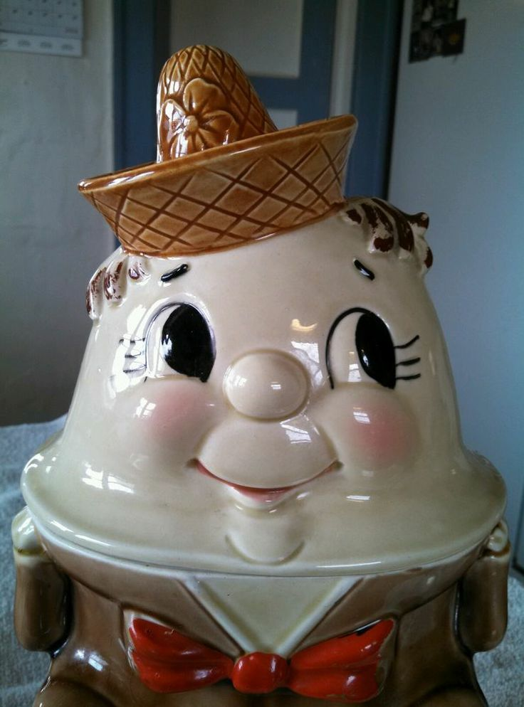 Vintage 1950s humpty dumpty cookie jar