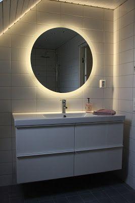 Rund spegel med belysning | Bostadsrättsförening Läslampan
