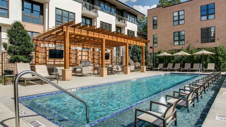 Loft Row In East Dallas TX Features Luxury Loft Style Apartments And Townh