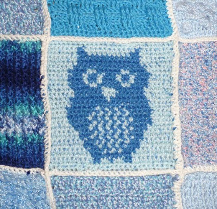 Hier ist das Eulenhäkelmuster, dass ich für zwei meiner Quadrate für meine blaue Decke  gebastelt hab. Viel Spaß damit! (Klick macht groß....