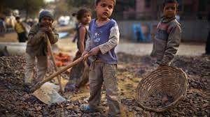 Ερευνητικά αποτελέσματα δείχνουν πως φτωχές & κοινωνικά αποκλεισμένες οικογένειες είναι πιθανότερο να μην μπορέσουν να ανταποκριθούν στη δημιουργία ευνοϊκών συνθηκών για την νοητική & εκπαιδευτική ανάπτυξη των παιδιών τους