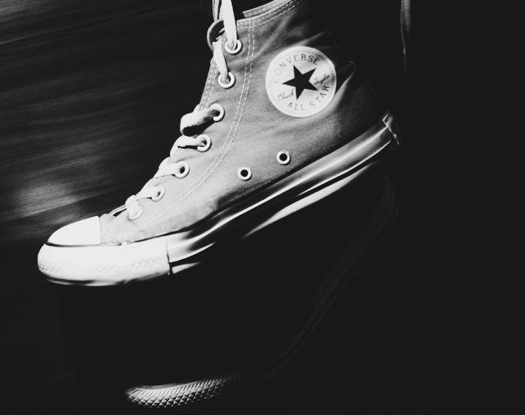 Converse in BW ❤️